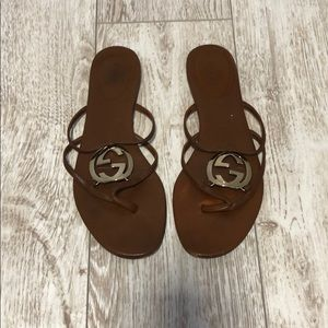 Gucci tong flip flops leather logo 38.5